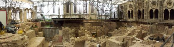 Los restos arqueológicos en el cláustro de la catedral