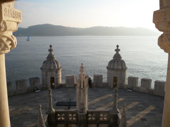 Vista desde la Torre de Belém desde donde se controlaba el tráfico marítimo.