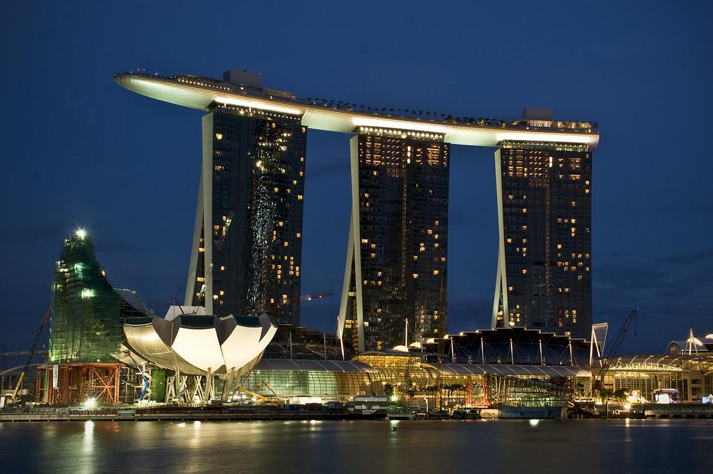 Hotel Marina Bay Sands por la noche