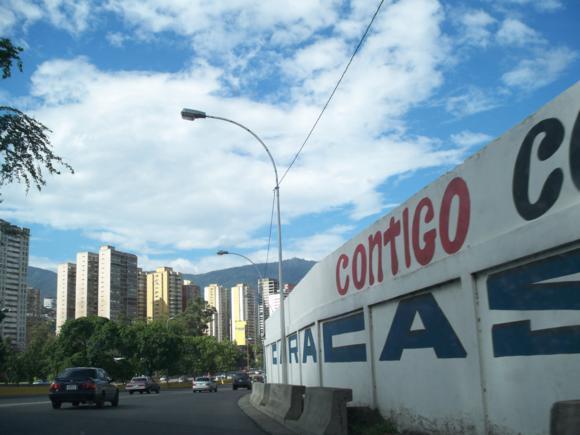 Entrada a la ciudad de Caracas.