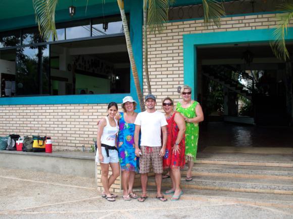 Foto de familia antes de la despedida.