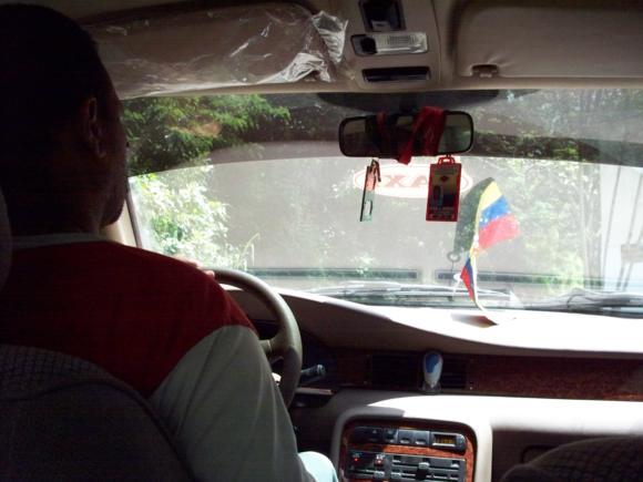 En el taxi de camino a Choroní.