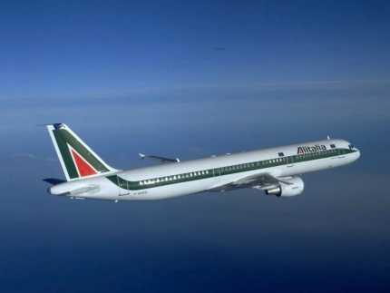El servicio de Alitalia muy correcto.