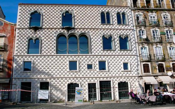 Casa dos Bicos en Lisboa, con su peculiar fachada.