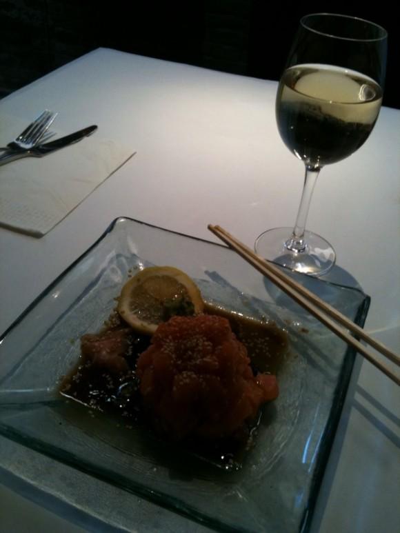 L'Oganquït - Tártar de salmón estilo japonés