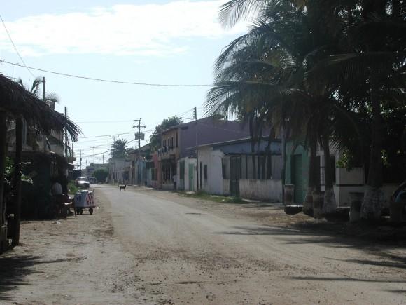 Calle de Chichiriviche de camino a mi posada.