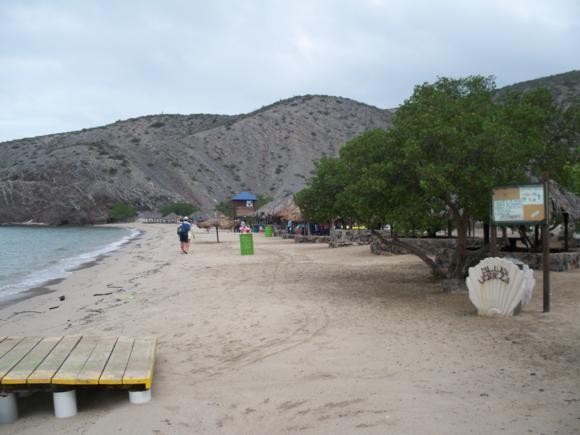 La playa, sin demasiado encanto.