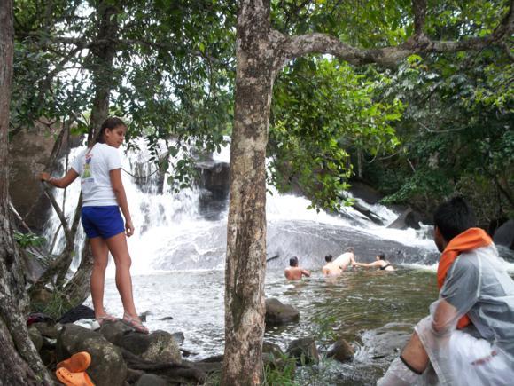 Nosotros llegamos mojados por la lluevia, así que no teníamos ganas de más agua.