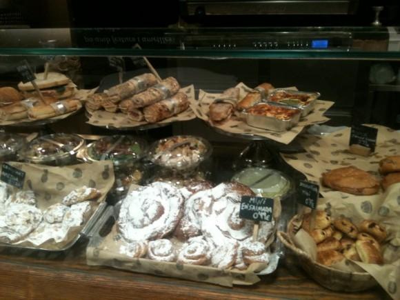 Pastas dulces y saladas, bocadillos variados...