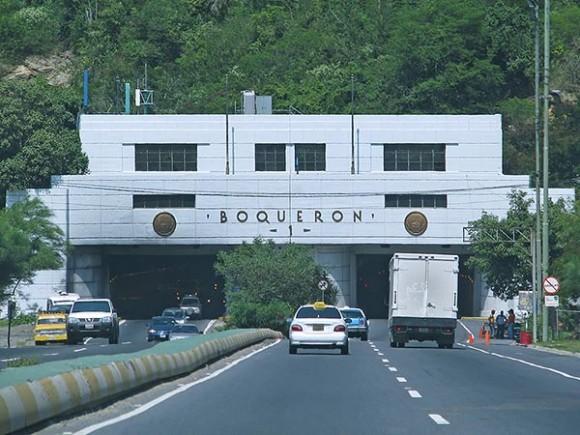 El Boquerón, el túnel de la autopista que lleva de Caracas a la Guaira.