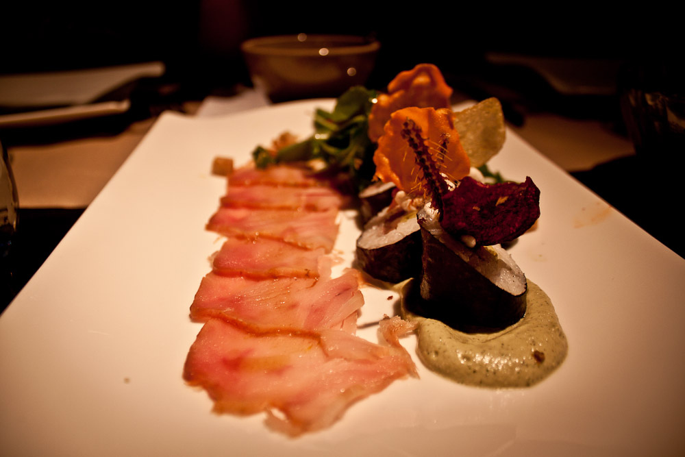 Bonito de ahumado, anchoa pesto y maki de gilda
