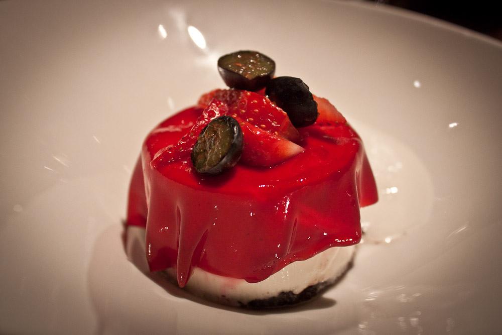 Cheesecake Oreo + helado de sake.