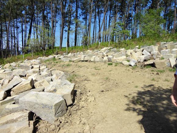 Piedras restantes de la reconstrucción.