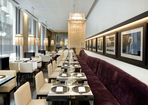 El salón principal. Para mi gusto, las mesas muy juntas unas de otras.