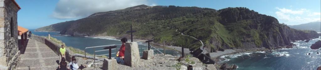 Panorámica de toda la costa a espaldas de la ermita.