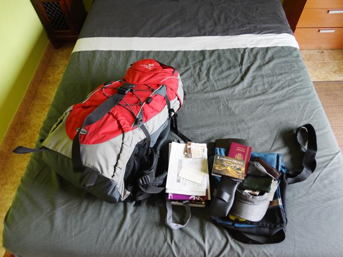 Todo en la mochila de 50 litros. El resto va en el bolso de mano.