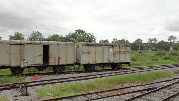 El trayecto en tren hasta Phitsanulock fue largo pero interesante.