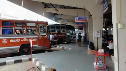 Estación de autobuses de Sukothai.
