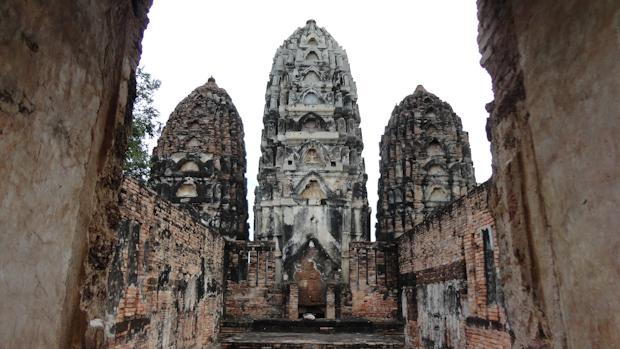 Cada templo esconde rincones y perspectivas  que puede explorar a mi aire sin gente alrededor.