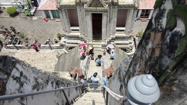 Vista desde las escaleras. Si tienes vértigo ahí tienes un reto para superar.