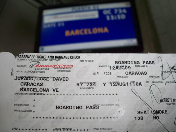 Procura llevar siempre contigo la tarjeta con la que compras tus billetes de avión.