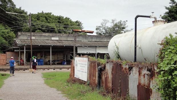 El depósito de combustible te indica que has llegado a la estación.