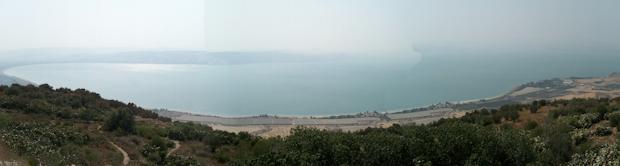 La vista del Lago Tiberías, hace olvidarte por un momento de que estás en un territorio ocupado o en disputa entre Israel y Siria.