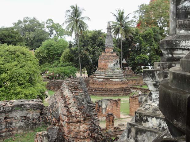 Wat Thanon Si Sanphet.
