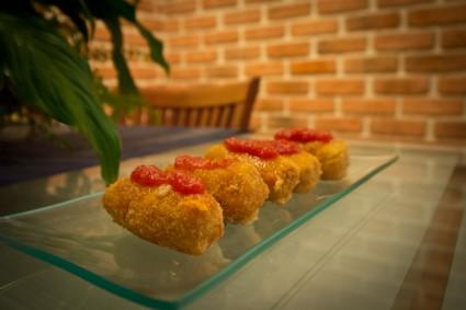 Las croquetas de salchichón de Málaga.