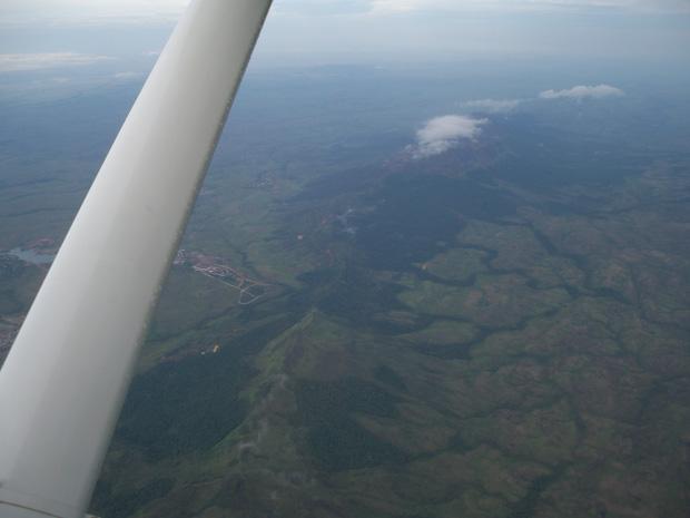 El paiseje se presenta inmenso desde aquella altura.