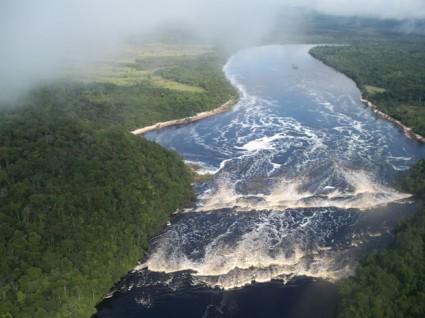 Río Orinoco cerca de Ciudad Bolívar.