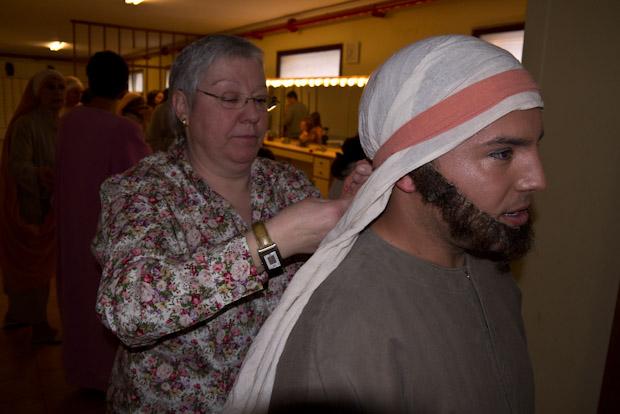 Barbas y turbantes pasan por el control de estilo.