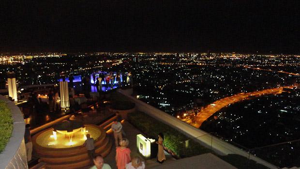 La primera impresión de la ciudad de Bangkok nocturna es la que cuenta.