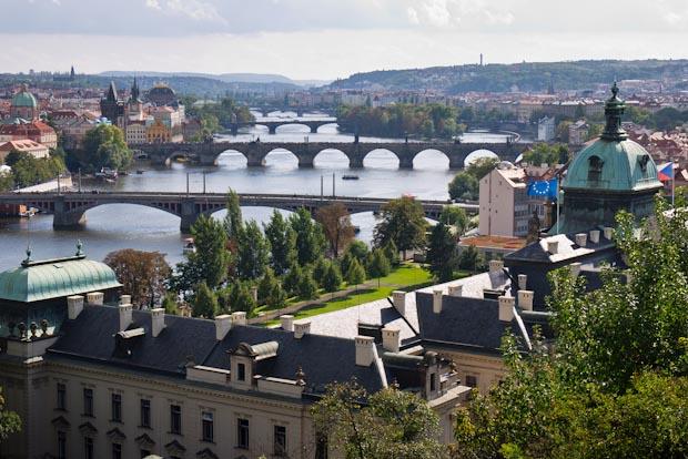 Vista de los puentes de Praga.