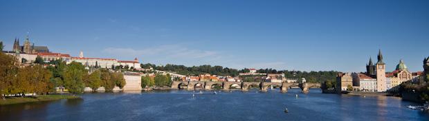 Puente Carlos, protagonista absoluto de la ciudad.