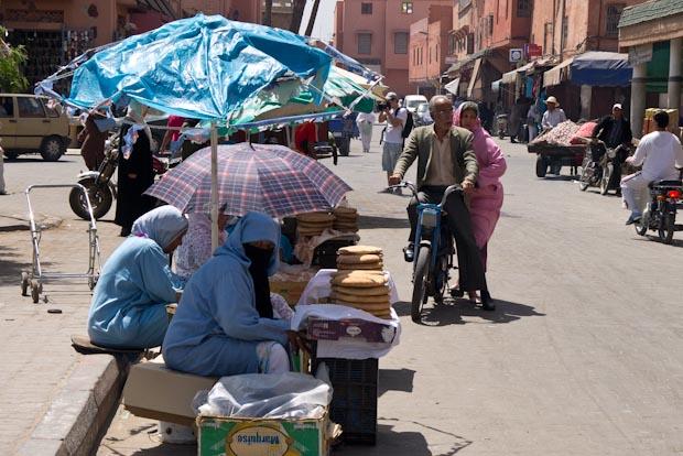 Una calle cualquiera de Marrakech.