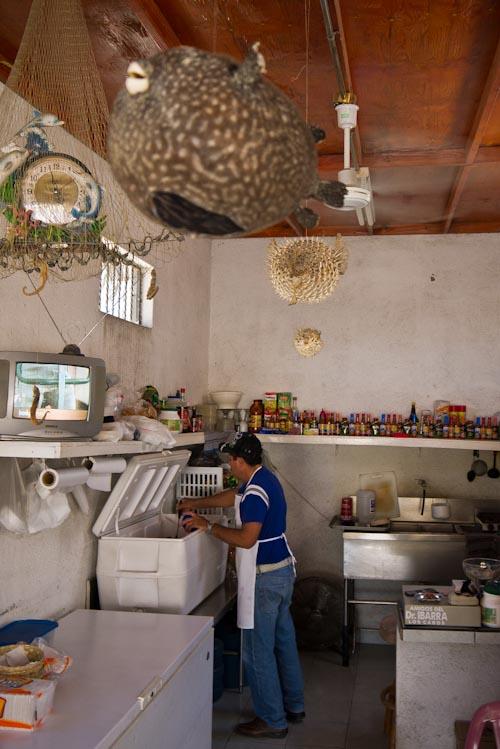 La zona de cocina donde Patricio nos preparó los cócteles de marisco.