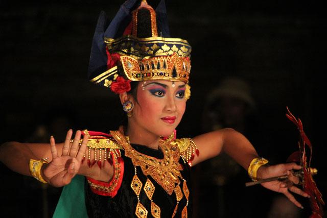 Danza tradicional balinesa (foto: losviajesdejuanysandra.com)