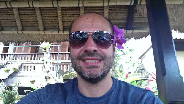 El menda, en Indonesia integrándome (qué careto...)