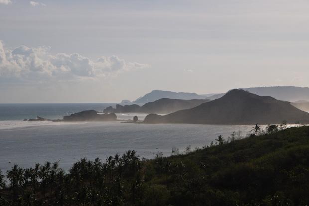 Costa de Gerupak, donde supuestamente están las mejores olas de la isla.