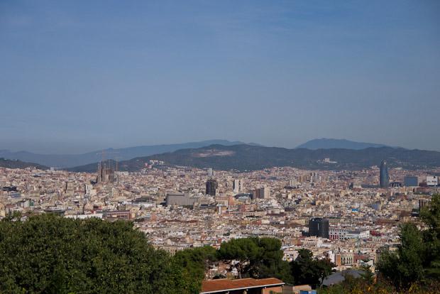 Vistas de la ciudad de Barcelona con el castillo a mis espaldas.