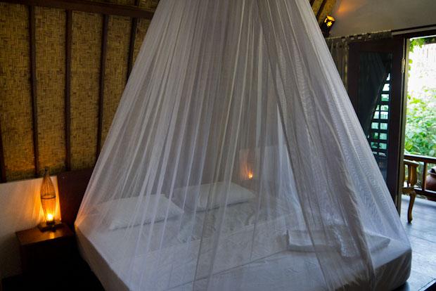 Mi cama en el bungalow del Smile. ¿No es romanticón?