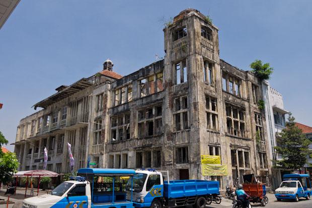 Algunos edificios del centro histórico. El barrio portugués.