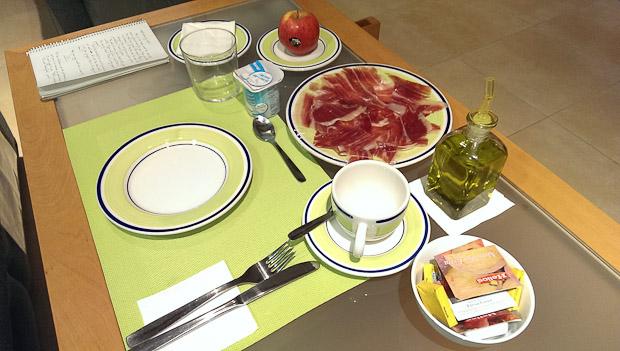 El desayuno preparado para Curtis, mi invitado californiano.