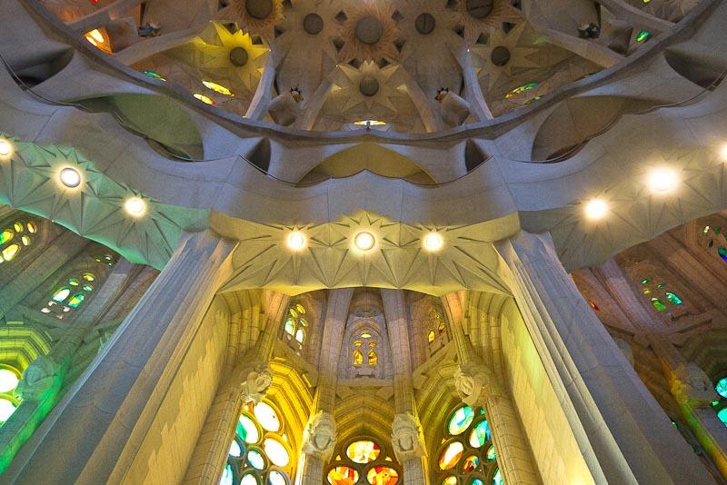 Capilla a espaldas del altar en el centro del ábside.