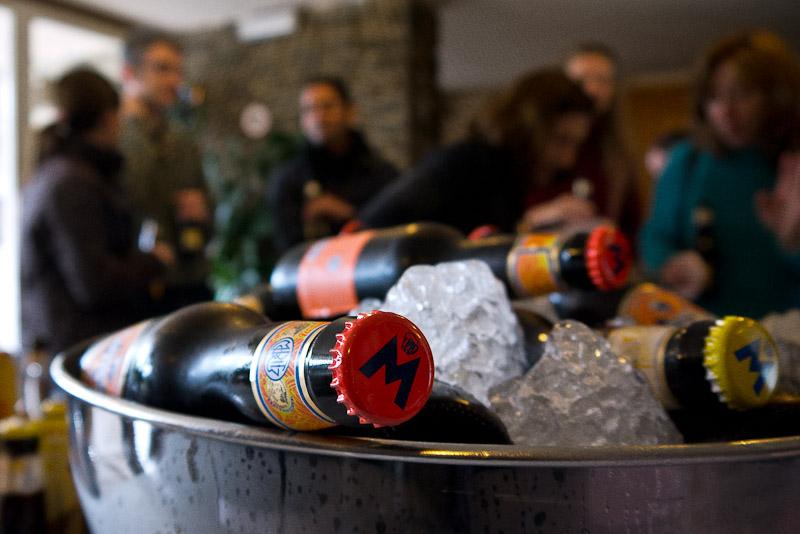 Aperitivo y bebidas frescas mientras llegan todos los invitados. Gentileza de Moritz.