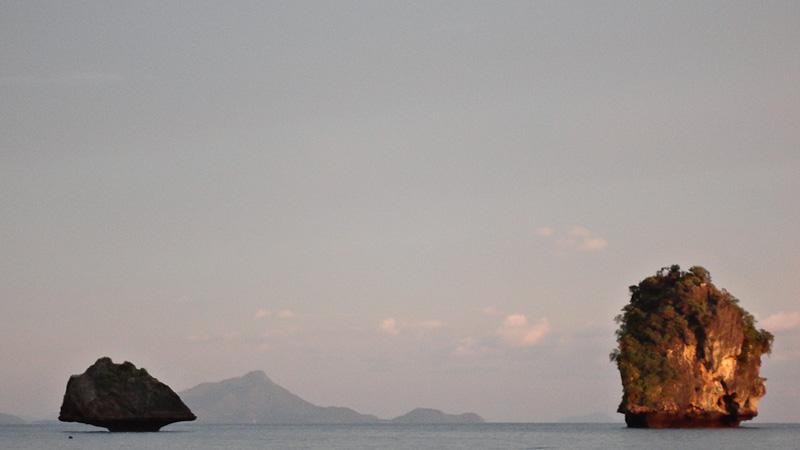 Vistas desde la playa de Phra Nang Cave Beach