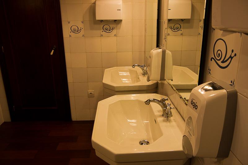 Caracoles también en el baño.