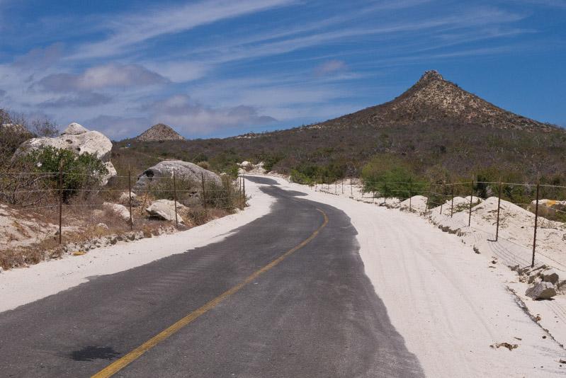 Carretera del Este, entrando en Cabo Pulmo.