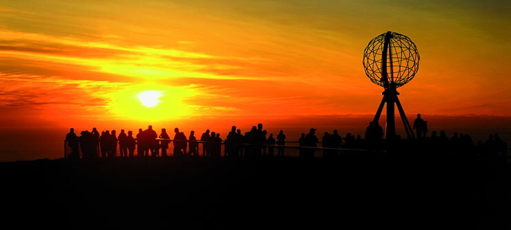 Sol de media noche en Cabo Norte.